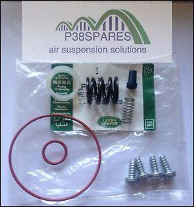 Discovery 4 Hitachi Air Suspension pump Delivery & Exhaust valve Original NEW