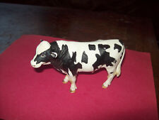 SCHLEICH '07  BLACK AND WHITE COW FIGURINE GERMANY D-73527