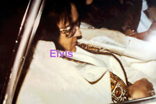 ELVIS PRESLEY INDIAN SUIT IN LIMO ORIGINAL VINTAGE OLD KODAK PHOTO CANDID