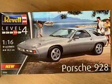 +++ Revell 07656 Porsche 928 1:16 07656