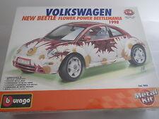 Bausatz - Bburago Volkswagen New Beetle Flower Power, verschweißt - 7095 -1:18