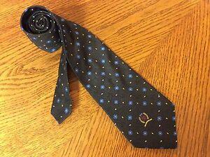 Tommy Hilfiger Mens Necktie Blue Textured Silk Hilfiger Emblem on Front  84N1