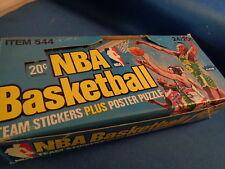 1977 FLEER BASKETBALL - NBA TEAM LOGO STICKERS BOX (24) PACKS ! RARE ! LQQK