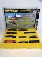 VINTAGE MAISTO ON TRACK DIE CAST METAL TOY TRAIN 25 PCS SET 1/131 SCALE NIB