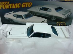 WOW EXTREMELY RARE Pontiac GTO 'The Judge' 1971 Cameo Ivory LE 350 pcs 1:24 GMP