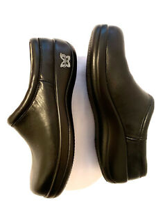 Alegria Women's Kay Leather Slip-Resistant Mule Clogs Black Nappa Size 36