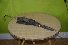 Ancien parapluie motif floral et métal doré