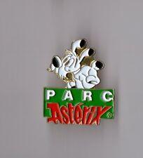 Pin's Astérix et Obélix / Parc Asterix - Idéfix (signé 1992 Goscinny Uderzo)