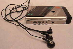 SONY WALKMAN WM-F100- ELECTRONICS FA/AM STERO CASSETTE PLAYER