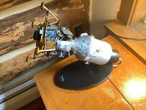 """16"""" 1/78 Scale Of Apollo And Lunar Lander Desktop Model Depicted Heading To Moon"""