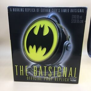 The BATSIGNAL OFFICIAL PROP REPLICA 2001 DC Direct Statue NEW! Batman NIB