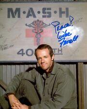 More details for mash star mike farrell signed bj hunnicutt 8x10 photo - ref:2