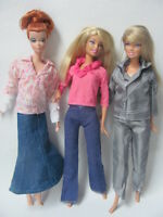 lot barbie doll clothes dresses accessories 3 outfits 3 hangers 3 shoes 5 New