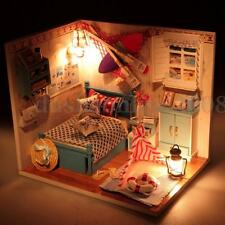 Kit DIY Dollhouse Miniature Maison de Poupée Bois Avec LED Lumière Meuble Cadeau