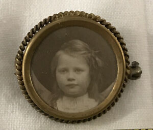 Antique MOURNING Photo Pin Back Button Brooch VICTORIAN GIRL WITH HAT CHILDREN
