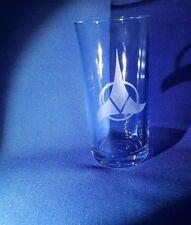 STAR TREK IMPERO Klingon EMBLEM BADGE inciso su una mezza pinta di vetro