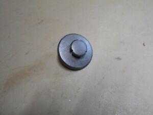 00-05 Cadillac Deville Trunk Floor Carpet Plastic Retainer Clip
