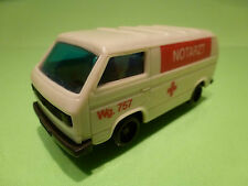 PLASTIC VW VOLKSWAGEN BUS T3 - AMBULANCE NOTARZT - CREAM 1:43 - VERY GOOD