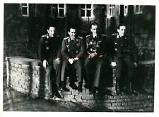 Foto, Wk2, vier Piloten der Luftwaffe in ihrer Freizeit (N)20831