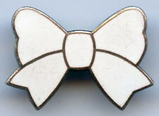 Sweden Girl Scout Badge Pin Nice Grade !!!