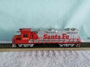 Life-Like HO Locomotive Santa-Fe #3500 Working