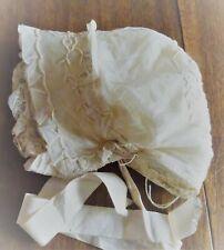 Bonnet d'enfant en tulle brodé, doublé soie