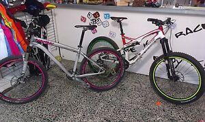JOllify Felgenrandaufkleber für Fahrrad, MTB, Downhill, Fully, Dirt 26-29 Zoll