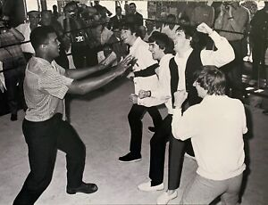 "MUHAMMAD ALI & THE BEATLES 30"" x 40"" Large Fujifilm Photograph Poster Unsigned"