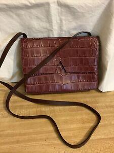 VINCE Signature V Croc-Embossed Leather Small Crossbody Fuchsia Bag