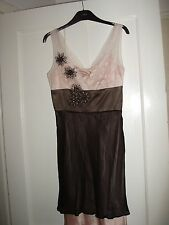 LADIES PRETTY SILK DRESS ( SIZE 6  ) Evening / party.
