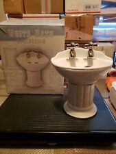 White Bath Collection Toothbrush Holder