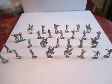 LOT OF 26 MILITARY METAL FIGURINES - NO MARKINGS -  - MINT - TUB A