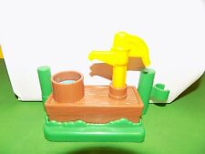 Fisher Price LITTLE PEOPLE Water Pump for Farm Barn Replacement Piece EUC