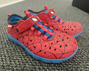 Boys Stride Rite Made 2 Play Phibian Spiderman shoes size 12 water shoes Marvel