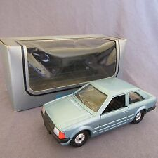 633D Corgi Ford Escort 1.3 GL Coupé 1:36