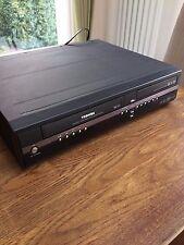 Toshiba grabador de DVD y grabador de vídeo con disco duro Vhs Combo RD-XV45 def
