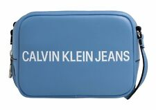 Calvin Klein Sculpted Logo Camera Bag Abendtasche Tasche Alaskan Blue Blau Neu