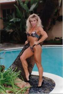 PRETTY WOMAN 80's 90's FOUND PHOTO Color Fitness Model EN 16 26 S