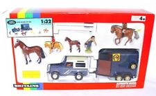 Britains Ltd 1:32 LAND ROVER & HORSE BOX TRAILER & RIDING STABLES HORSE + FIGURE