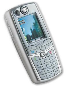 Motorola C975 - Silver (Three) Mobile Phone in LNC