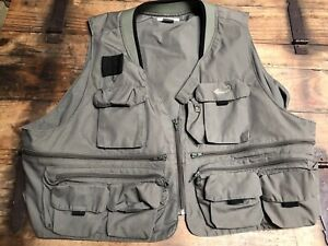 Ausable Best Fly Fishing Vest Outdoors Men's XXL 2XL Green Embroidered Hook EUC