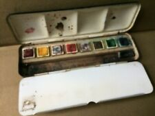 WINSOR & NEWTON Antique vintage scholastic watercolour paint set.
