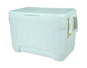 Igloo Marine Contour Cooler, 25 Quart 23 L, White