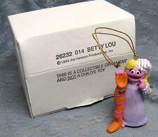 GROLIER BETTY LOU CHRISTMAS ON SESAME STREET ORNAMENT 014 with BOX