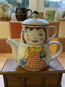 """Vintage 'Tea For One' Teapot + Cup """"Retro"""" 7"""" Tall"""