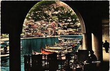 CPA   Villefranche-sur-Mer(Alpes-Maritimes)-Un coin pittoresque du Port (351510)
