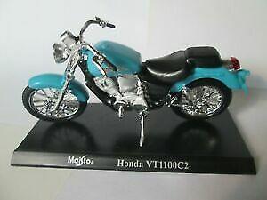 Maisto 39300 1/18 Scale Honda VT1100C2 Special Edition