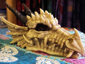 DRAGON HEAD SKULL TRINKET BOX Figure Ornament JEWELLERY Smaug GOTHIC HORROR GOT