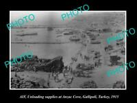 OLD 8x6 HISTORIC PHOTO OF AIF ANZAC SOLDIERS UNLOADING GOODS AT GALLIPOLI 1915