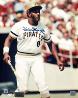 Willie Stargell signed autographed 8x10 photo! RARE! AMCo Authenticated!